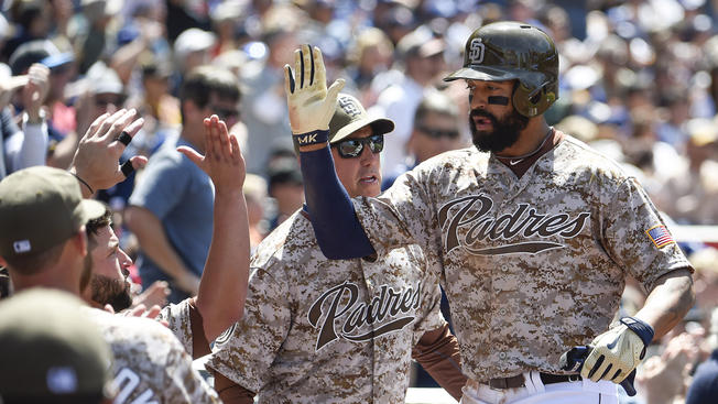 150426-matt-kemp-dogers-padres-sunday-april-26